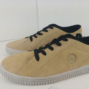 Classic Airwalk men's shoes size 13